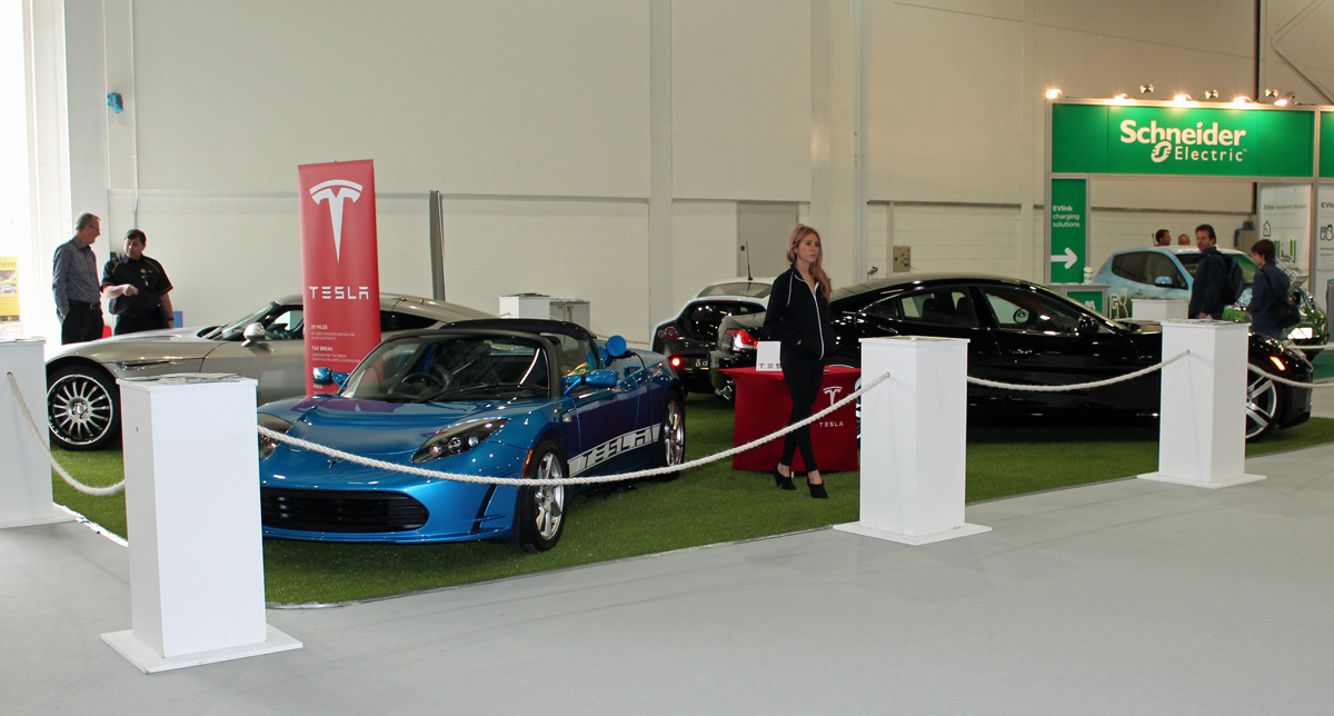 Tesla Roadster and other Electric Supercars at EcoVelocity 2012 (Photo: T. Larkum)