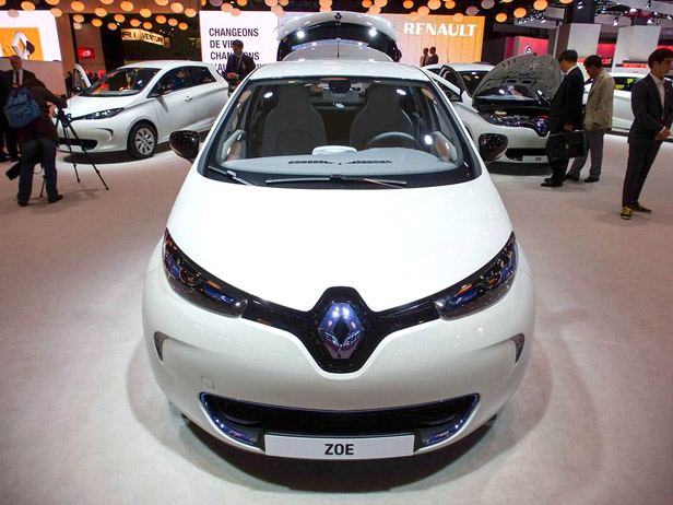 Zoe at Paris Motor Show (Image: P. Fairley/TechnologyReview)