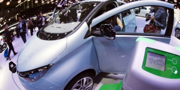 Zoe at Paris Motor Show (Image: J. Saget/AFP via BFMTV)
