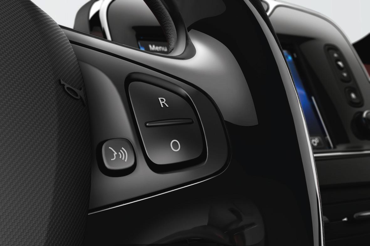 R-Link Remote Controls (Image: Renault)