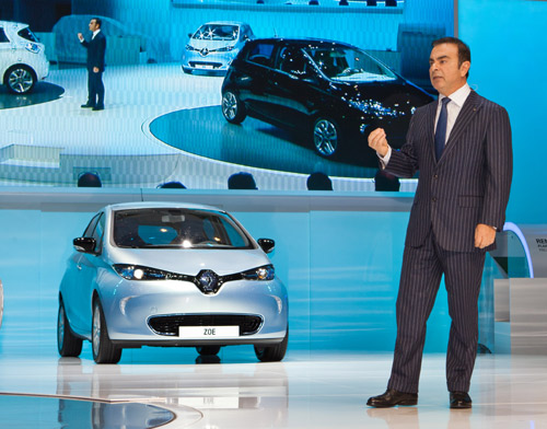 Carlos Ghosn Presents the Zoe at Geneva Motor Show (Image: Renault)