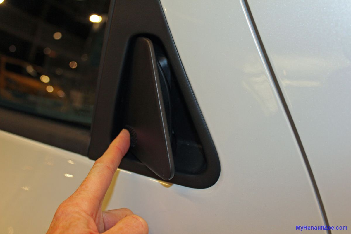 Rear Door Handle - Open (Image: T. Larkum)
