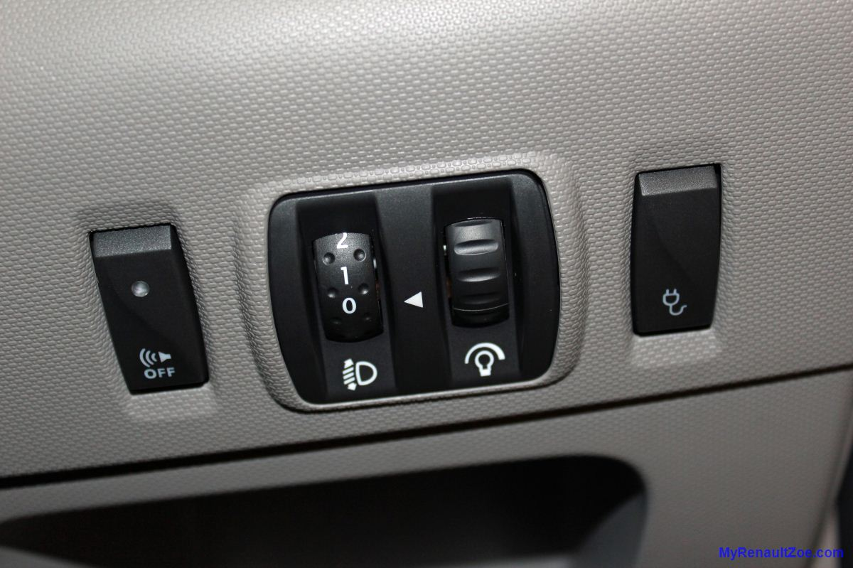 Controls to the Right Side of the Driver - Pedestrian Sound, Lights, Charge Door (Image: T. Larkum)