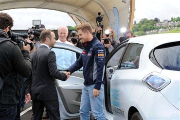 Sebastian Vettel visits Paris to share past and future successes (Image: Renault)
