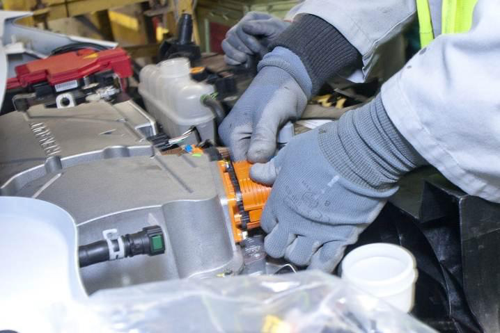 Battery Assembly (Image: Renault)
