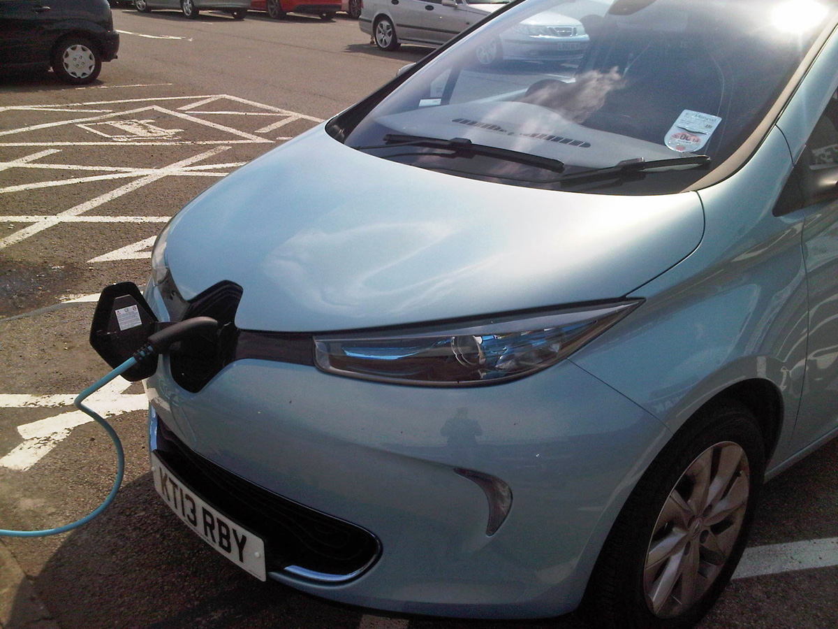 ZOE charging at Leicester 22kW medium-fast charger (Image: A.K.)