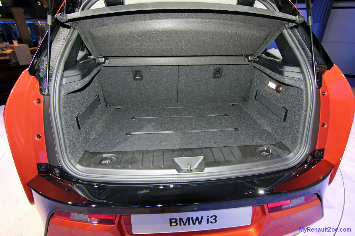 BMW i3 – Boot [Trunk] (Image: T. Larkum)
