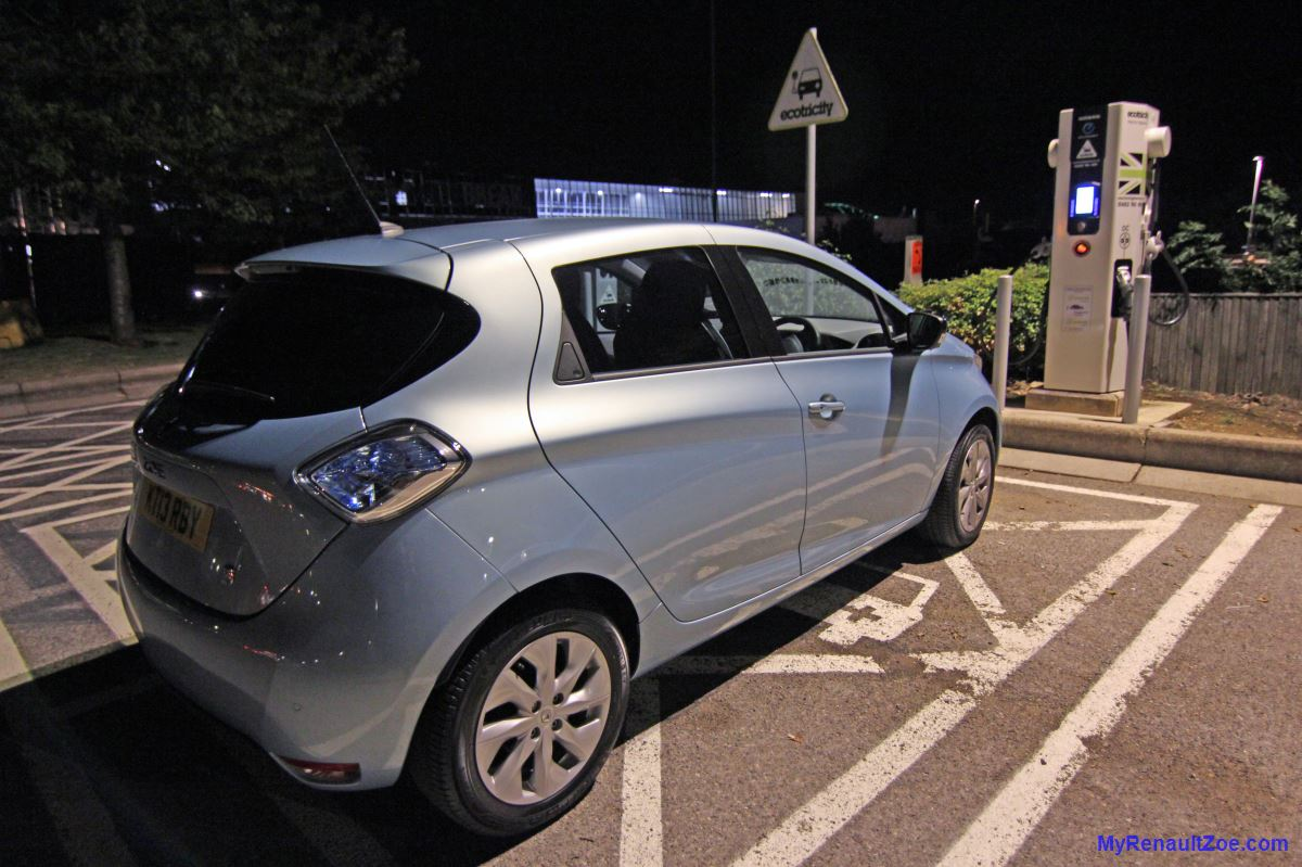 ZOE failing to charge at 43kW fast charger (Image: T. Larkum)