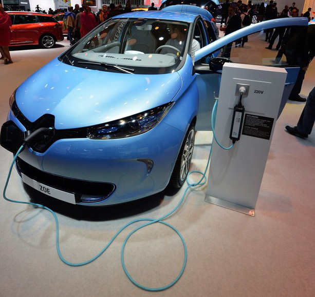 Renault ZOE with a domestic charging cable is pictured at the IAA international automobile show on September 11, 2013 in Frankfurt, Germany (Image: Getty Images)