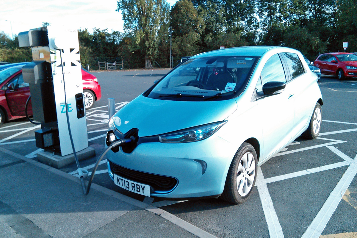 Fast charging at Peartree (Image: T. Larkum)