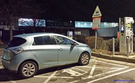 Charging at Newport Pagnell 43kW Charge Point (Image: T. Larkum)