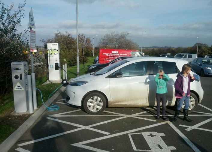 Zoe charging at Woodall services (Image: Timbo)
