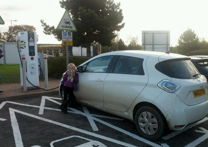 ZOE charging at Tibshelf (Image: Timbo)