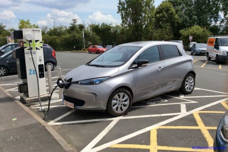 Charging at Peartree, near Oxford (Image: Surya)