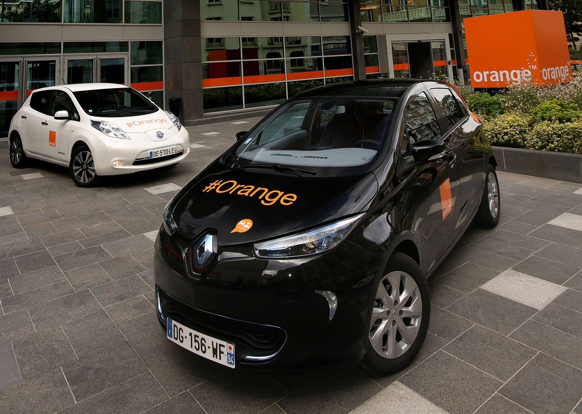 renault nissan alliance and orange expand electric vehicle partnership my renault zoe electric car. Black Bedroom Furniture Sets. Home Design Ideas