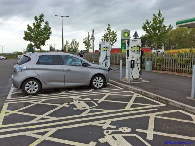 Using the rapid charger at Michaelwood (Image: Surya)