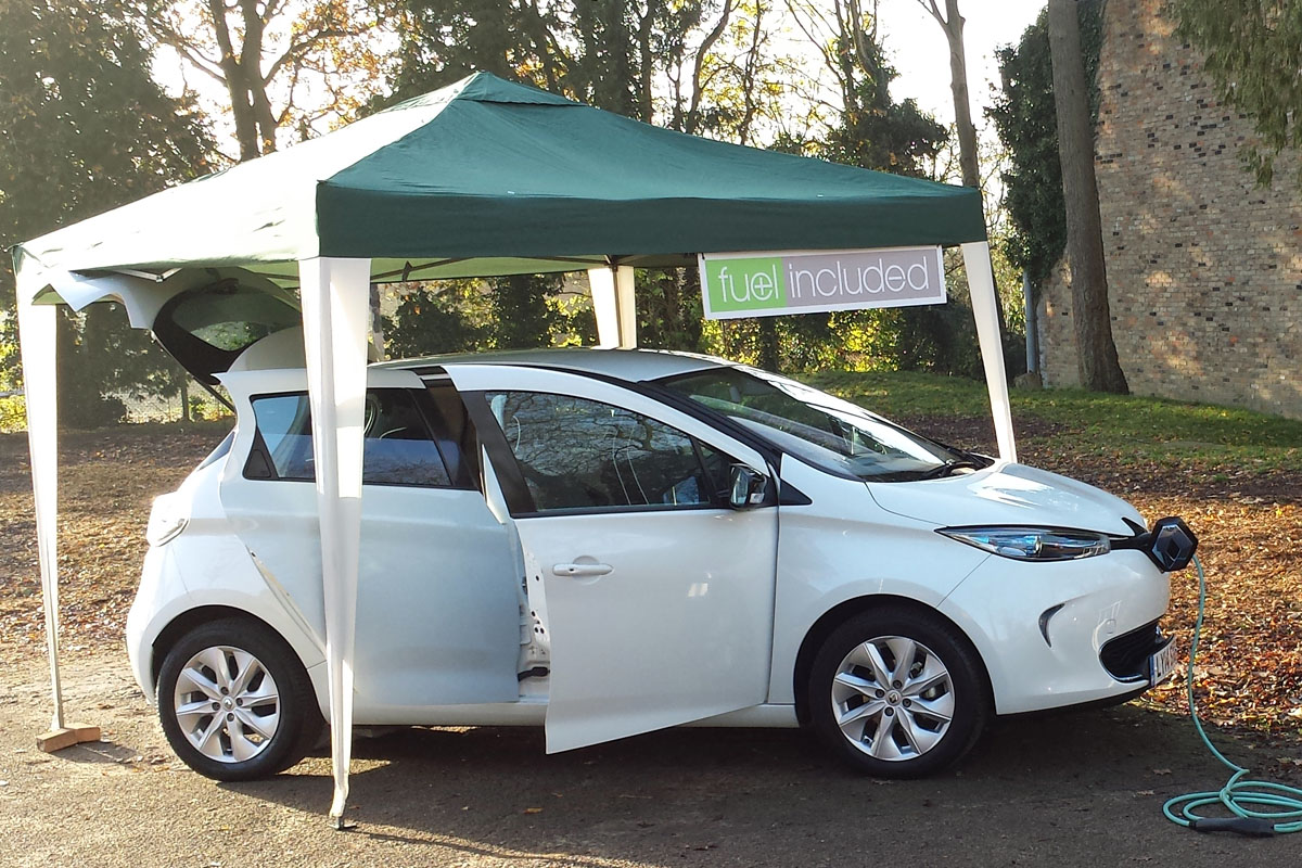 renault zoe at school advent fair my renault zoe electric car. Black Bedroom Furniture Sets. Home Design Ideas